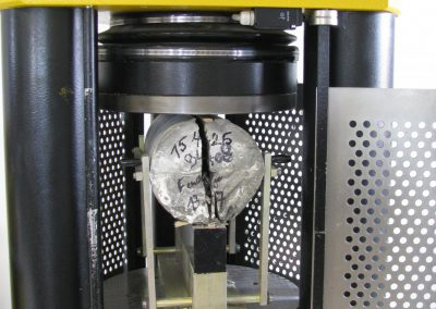 5.essai de fendage à la Presse de 300 tonnes